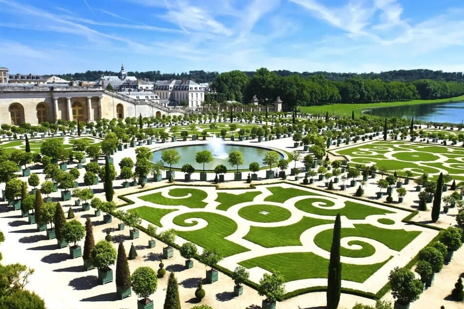 garden of the castle of Versailles